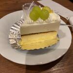 MAGICAL - ツインチーズケーキ 400円