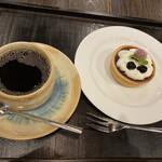 カフェ叶匠寿庵 - 餡タルトのドリンクセット1210円です