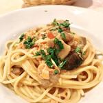 トラットリア ラ・テスタドゥーラ - 銀鮭とキノコのスパゲッティ