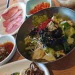 焼肉一番カルビ - 料理写真:サラダたち