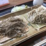 Senshinan - 料理写真:量少なめに見えますが、こちらはふわっと盛らないので、割とあります。白黒十割蕎麦盛合わせ!限定!