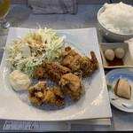 鶏焼肉と鶏料理 鶏'sすたいる -