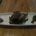 ニコ スペーツェ - 前菜 (左)紅芋 (中)サラダ大根を赤ワインでマリネ (右)ヘチマのグリル美味