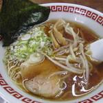 こしょうや - 醤油ラーメン(並・細麺)@550円