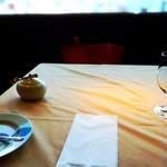 グランファミーユ・シェ松尾 - 窓から日差しが眩しいぐらい注いで♫