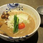 名前のないラーメン屋 - らーめん(重層スープ、もつ)900円