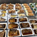 132983615 - 朝から肉、魚、なんでもある