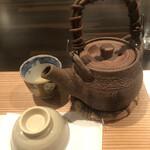 132983861 - 土瓶蒸しです。流石に松茸は早いよな。それでは中身は何でしょう? 答えは虎魚でした