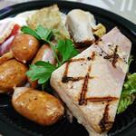 バルマルシェコダマ ステーキ&ロブスター - コダマの肉盛