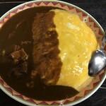 自由人舎 時館 - 料理写真:オムポークカレーJ(920円+20円)