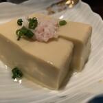個室×海鮮居酒屋 かりーな  - お通し(カニ豆腐)
