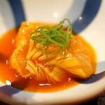 鳥田中 - 七谷地鶏の胸肉のづけの黄身醤油和え