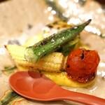 鳥田中 - 野菜の焼きもの 下はトウモロコシの裏漉し