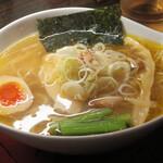 132995093 - 近江塩鶏麺800円