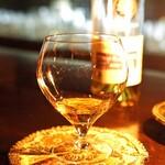 バー ドラス - ドリンク写真:Cognac Guy PINARD Folle Blanche 2007 Bar Doras