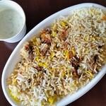 HALLAL FOOD MARHABA - マトンビリヤニ。ライタ付きです。