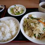餃子楼大学 - 日替わり定食(野菜炒め)