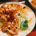スナック雪子 - 汁なし坦々麺太郎