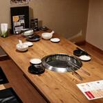 味樹園 - 個室テーブル席