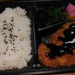 関緑ヶ丘食堂 - とんかつ弁当(400円)