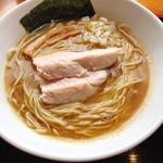 麺家 一鶴 - 鶏・煮干しラーメン 750円