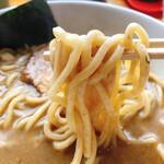 麺家 一鶴 - 濃厚ラーメン 極太麺ストレート