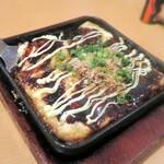 もつ焼きおとんば - トン玉チーズ鉄板焼き(豚好き、玉子好き、チーズ好きは頼むべき)