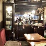 七つ森 - ノスタルジックな不思議カフェ