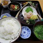 小笠原食堂 - (800円)