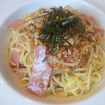 カフェ・ハッピーアベニュー - 納豆と焼き豚のパスタ