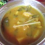 13303929 - 玉ねぎ、ジャガイモ、小松菜、鶏肉のカレー