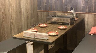大阪焼肉HANABI - ご家族の方やご友人とゆったりくつろげるソファー席です。