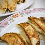 餃子の王将 - 餃子と生姜餃子