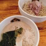 真鯛らーめん 麺魚 - 冷やし真鯛胡麻つけ麺¥880