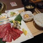 ジューシー・ディッシュ 焼肉南大門 - 料理写真:特選黒毛和牛カルビランチ 1,680円(税別)