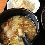 つけ麺さとう - 野菜つけ麺800円税込のつけ汁と野菜