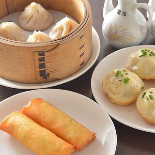 こだわり中華は常時80種類以上!ランチやディナーで召し上がれ