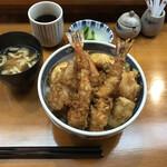 てんぷら 味覚 - お任せ天丼(税込み1600円)