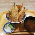 江戸前天丼濱乃屋 - 料理写真:上天丼と赤だし漬けのセットです