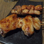 13307494 - 手羽串(タレ)、もも串(タレ)、白レバー(タレ)