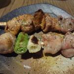 13307615 - 白レバー(塩)、ねぎま串(もも肉ネギ串、塩)