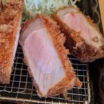 133083262 - 『特ロース豚かつ定食』 2,400円(税込)