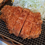 133083268 - 『特ロース豚かつ定食』 2,400円(税込)