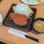 133083274 - 『特ロース豚かつ定食』 2,400円(税込)