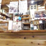 餃子と焼きそば まるき - 屋台風の店舗