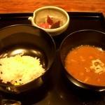 御料理 伊とう - ≪6月≫こちらも美しい塗りのお椀です。ほんのり甘いモロコシご飯と、鱧とナメタケの汁もの、香の物。