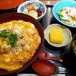 六行亭 - 名古屋コーチンの親子丼