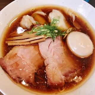 中華そば  さわ - 料理写真:特製中華そば(900円)
