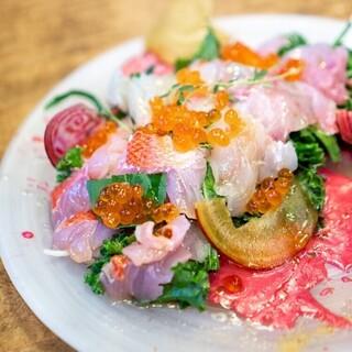 新鮮な野菜&魚料理も充実!