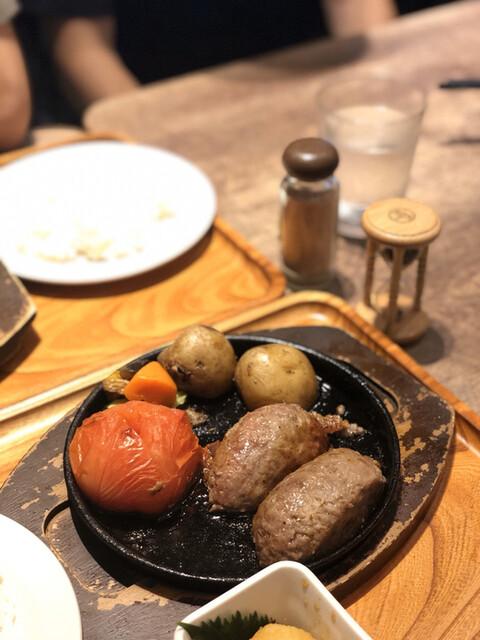 いしがまやハンバーグ 成城コルティ店の料理の写真
